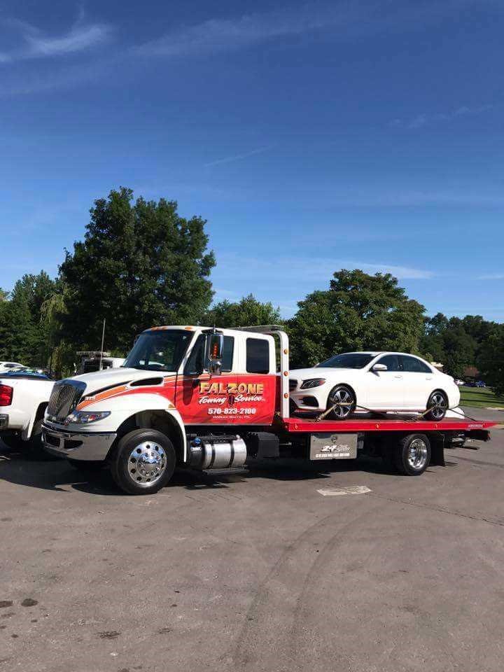 319 truck towing mercedes