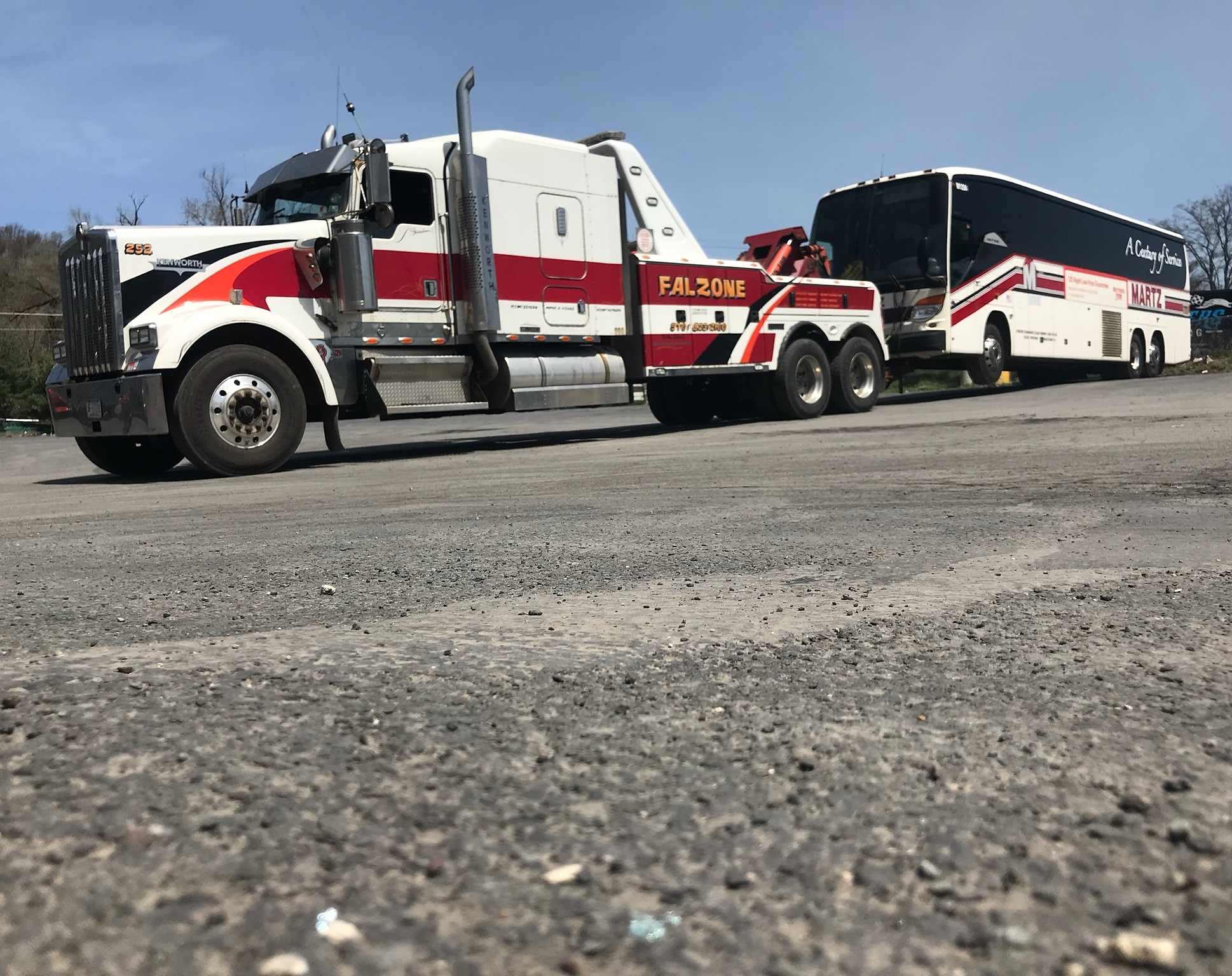 truck towing Martz bus