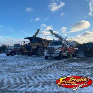 Construction Equipment Towing 35,000 Lb 2