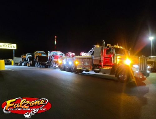Semi Tow Truck Tows 4 HUGE Trucks