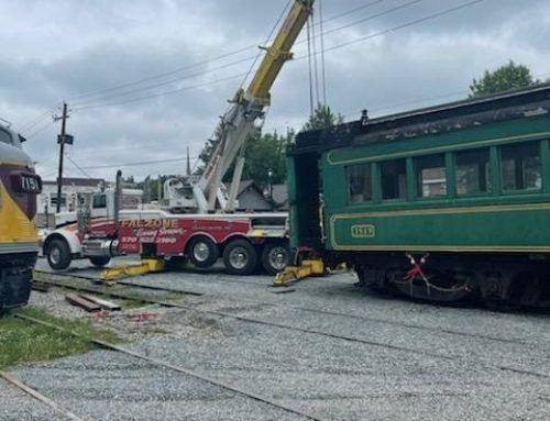 Heavy Tow Truck Lifts 120,000 lb Railroad Car